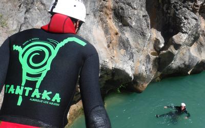 Cómo evitar accidentes mientras haces barranquismo en la Sierra de Guara